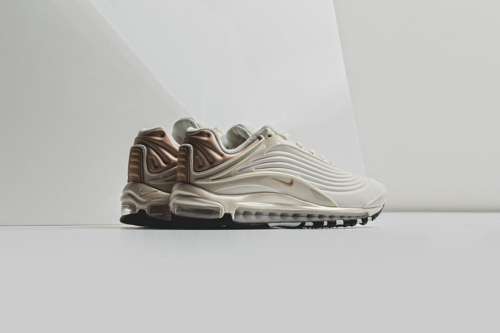 new arrivals dcea4 c2acb Nike Air Max Deluxe SE