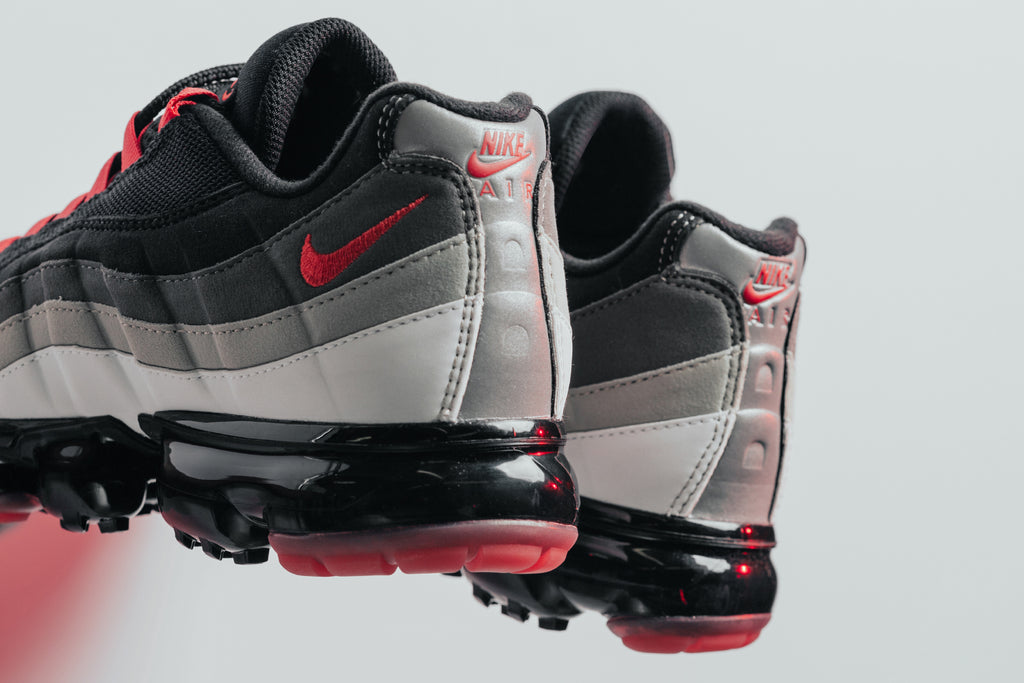 brand new b7012 e08a0 Grey & Red Nike Air VaporMax '95 – Feature