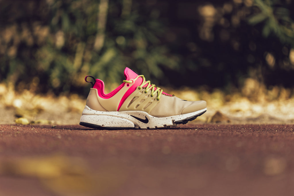 on sale f4831 aaea7 Nike Women s Air Presto Ultra SI In Mushroom Deadly Pink Black Bright