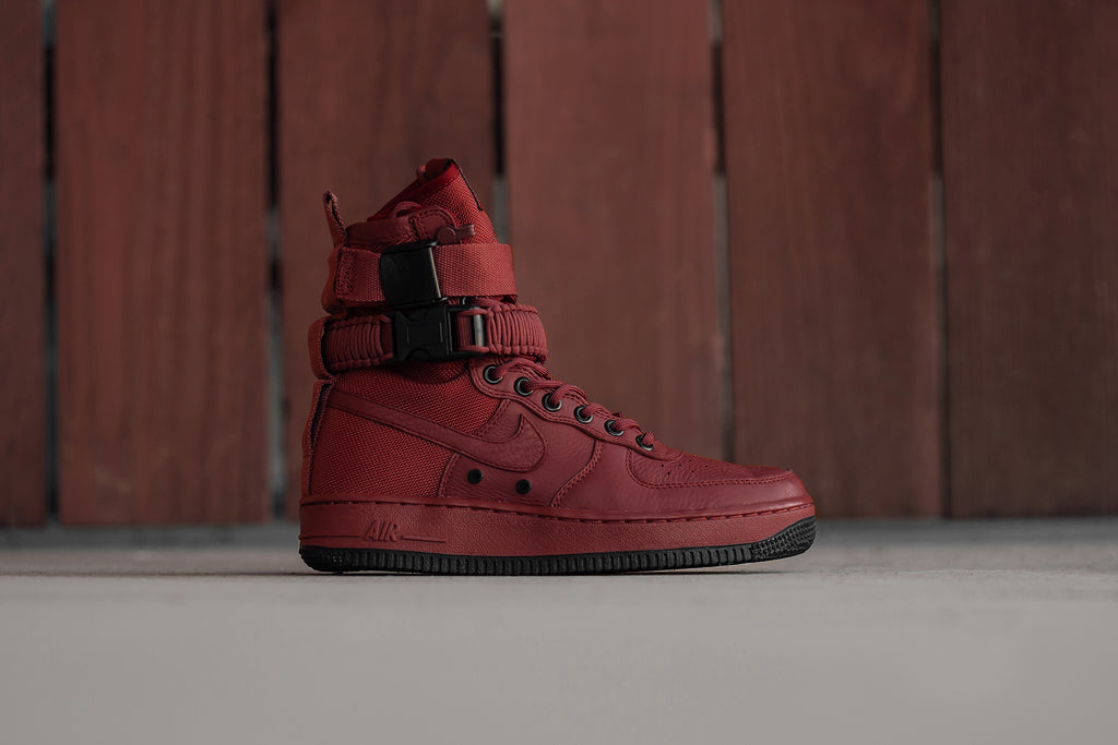 Nike expands their SF AF-1 collection ( 180) this season with another  women s variation ( 180). This time the silhouette is seen in a deep Cedar  color ... 01abdb72a2