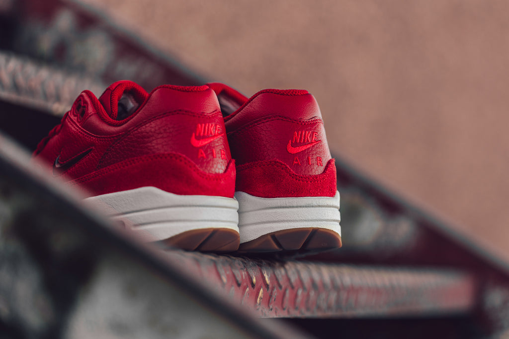 Nike Women Air Max 1 Premium Sc (gym red gym red speed red)