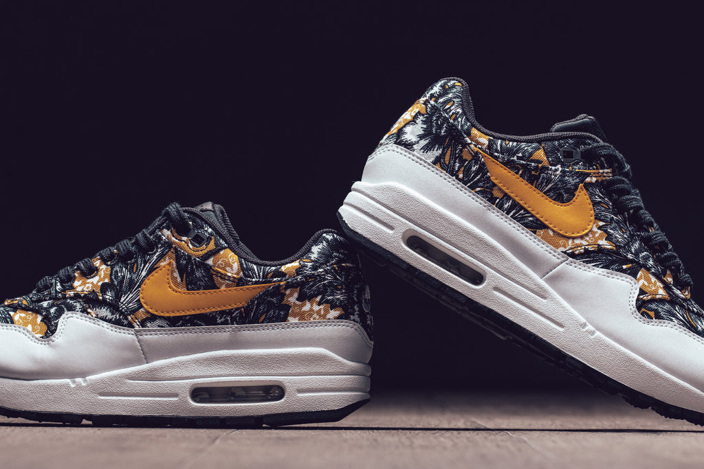 size 40 ff06a 2ef3c Nike presents a special floral patterned Air Max 1 QS for the ladies. Nike s  Air Max 1 give you the responsive cushioning of visible Max Air and premium  ...