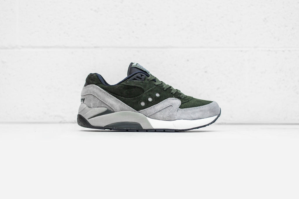 detailed look 414ea 285ce This new style features Saucony s Grid 9000 outsole combined with the Shadow  Master upper ( 120). The contemporary twist showcases light grey ...