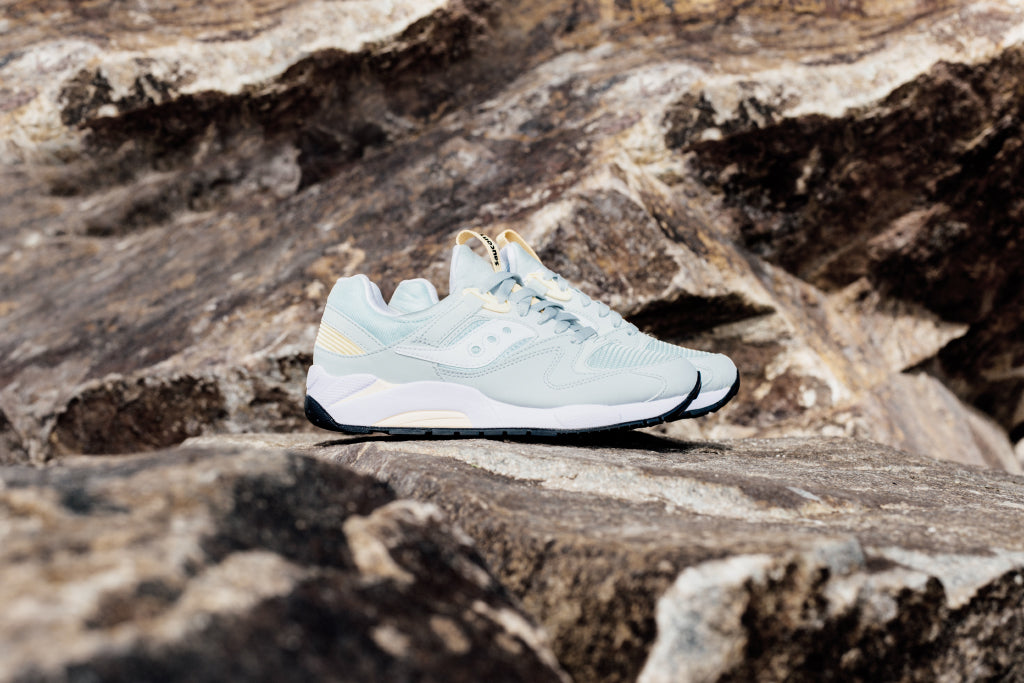 3f096e92 Saucony Grid 9000 In Light Grey Available Now