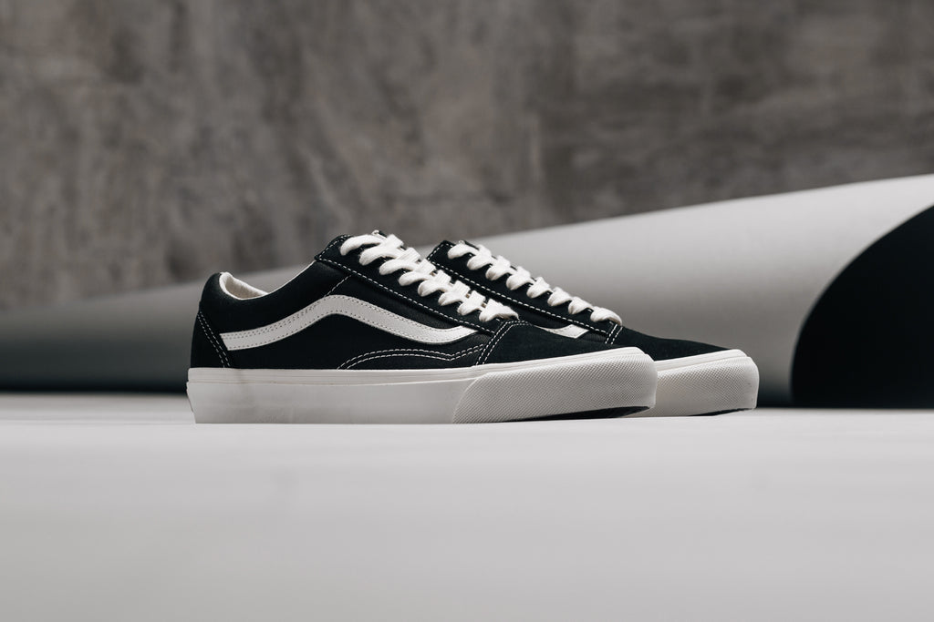 463dc1f9ba Vans OG Old Skool LX Suede Canvas