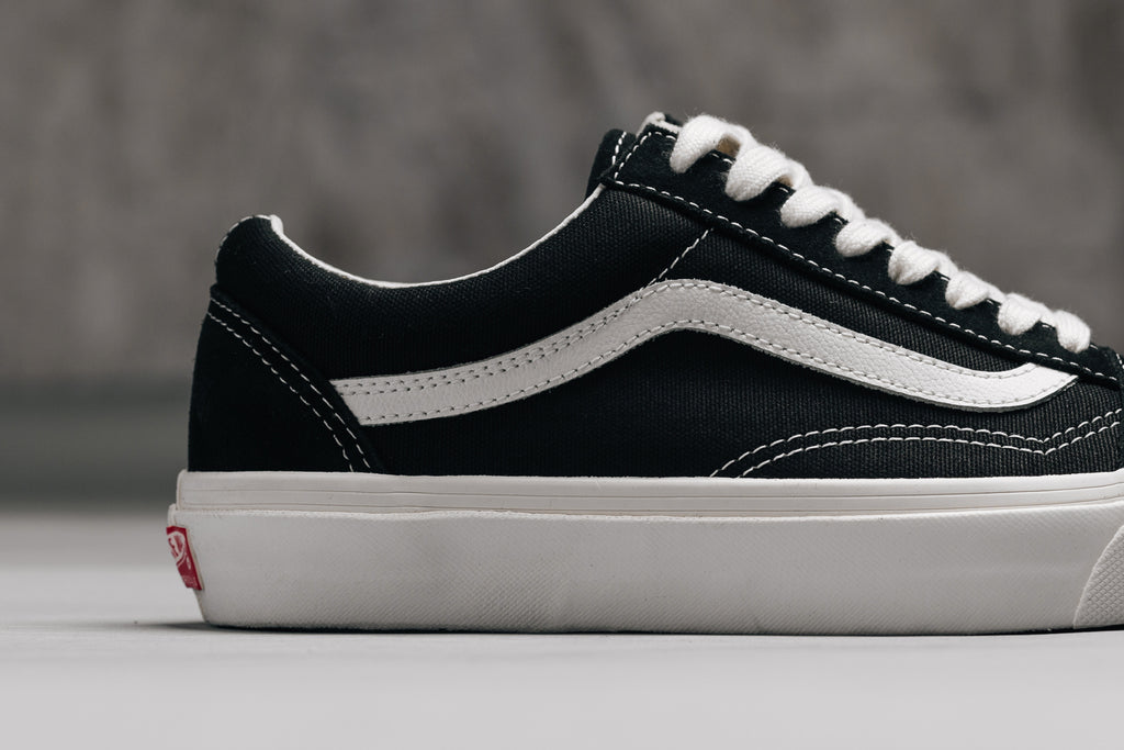 cf59fca34a1a3e Vans expands their Vault lineup with a timeless take on the Old Skool LX  silhouette ( 70). As part of their latest delivery