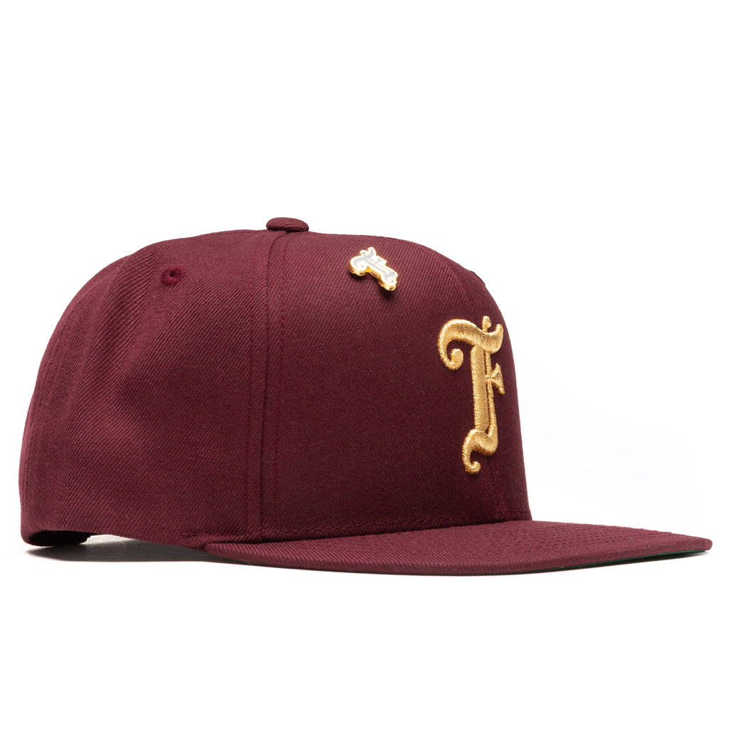 Feature Old English F Snapback w/ Pin - Maroon/Gold