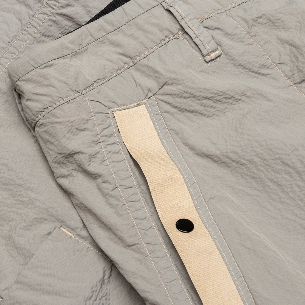 Stone Island Seersucker Tc Cargo Pants Beige Feature