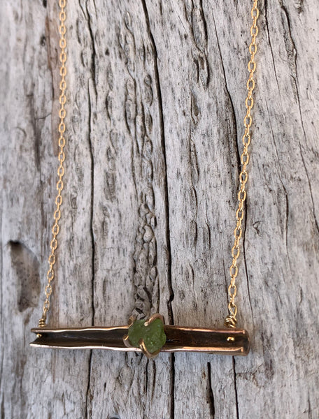 14K Gold Fill Organic Pod Bar Necklace with Prong Set Raw Peridot