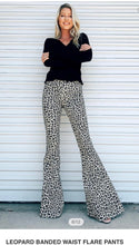 Load image into Gallery viewer, Leopard Banded Waist Flare Pants