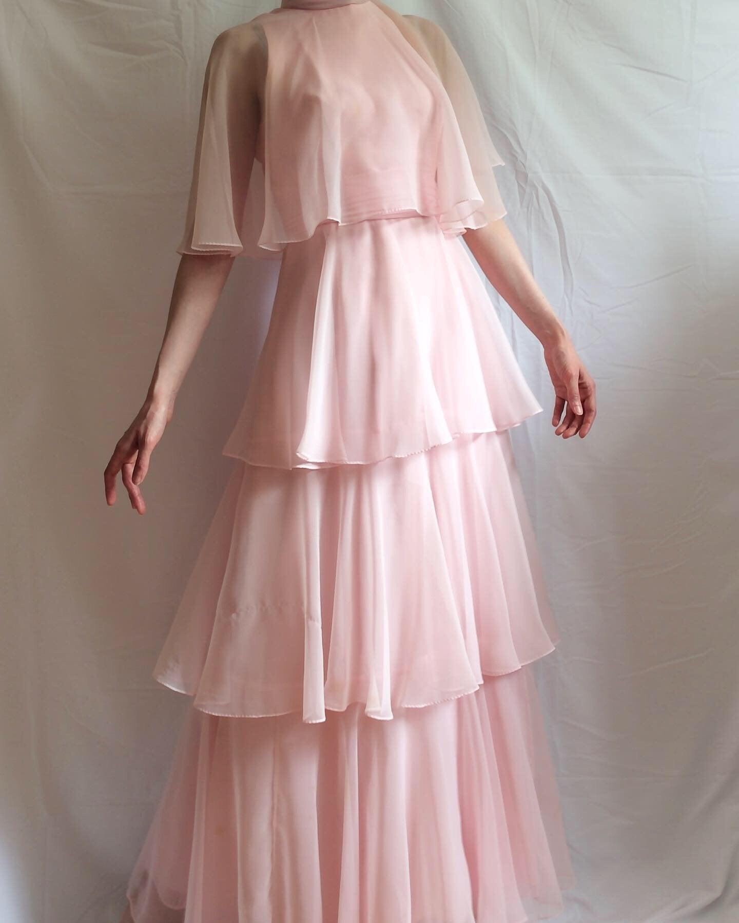 Vintage 1960s pale pink chiffon tiered dress