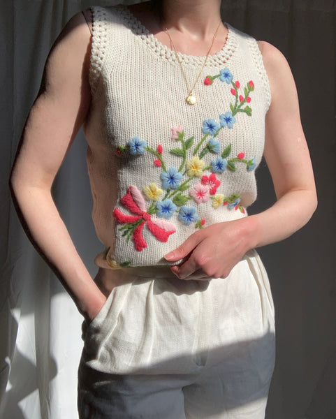 Vintage wool knit vest with embroidered bouquet