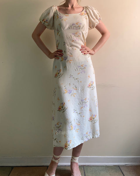 Vintage 1970s soft pastel floral puff sleeved dress