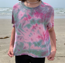 Load image into Gallery viewer, Teal and pink scrunch cropped tshirt