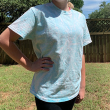 Load image into Gallery viewer, Pastel blue swirl tee