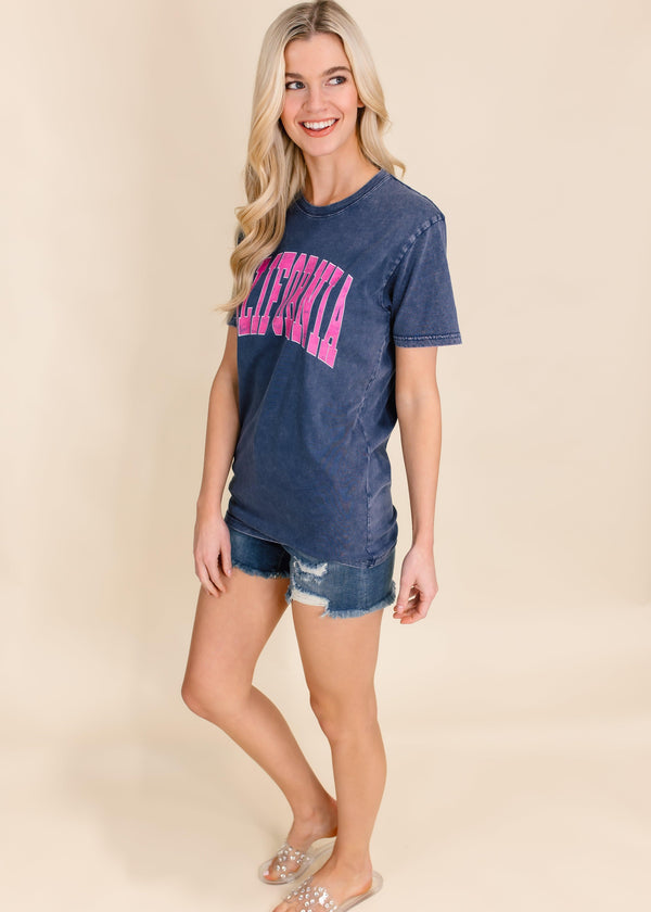 "CALIFORNIA ""HOT PINK"" GRAPHIC TEE 