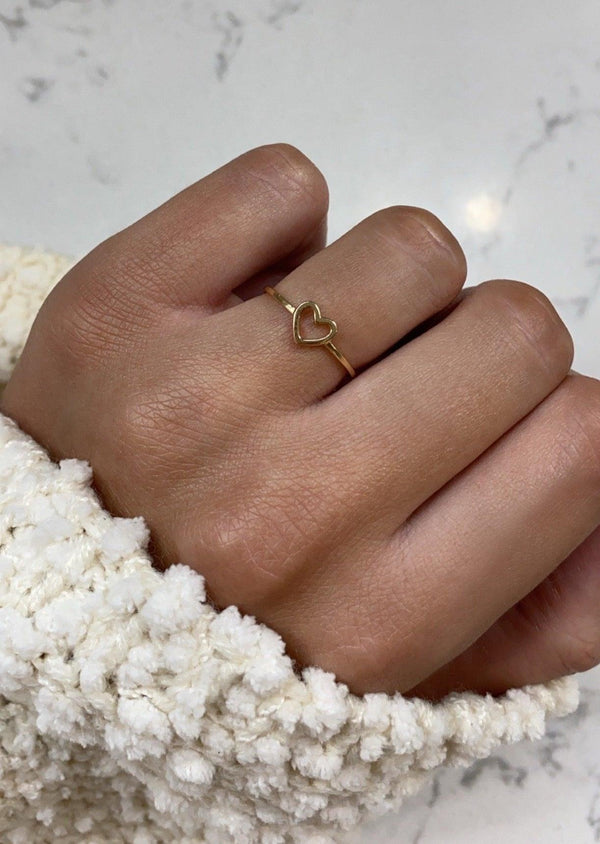DAINTY OPEN HEART RING