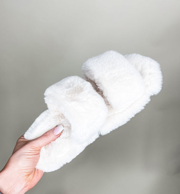 DELIGHTFULLY YOURS FUZZY SLIPPERS | IVORY