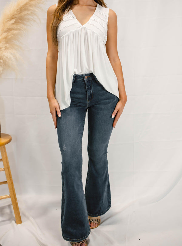 HIGH RISE FLARE JEANS | JUDY BLUE