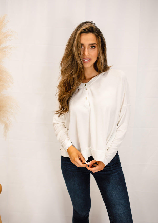 CATCHING FEELINGS LONG SLEEVE TOP | WHITE