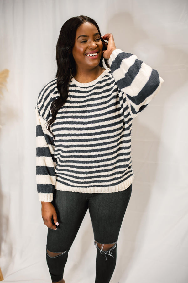 SERIOUSLY STRIPED KNIT SWEATER | NAVY