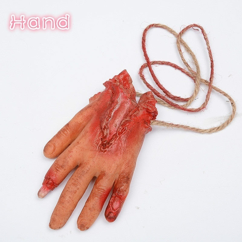 1PC Halloween Decoration Broken Finger Hand Foot Blood Horror Halloween Decor Severed Bloody Limbs Hand Novelty Dead Broken Hand Gadgets
