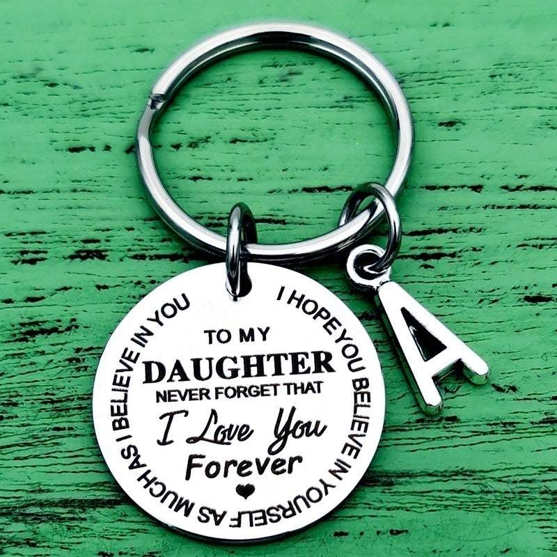 To My Son Daughter Inspirational Gift Keychain From Dad Mom Never Forget That I Love You Forever Birthday Graduation Christmas Back To School Gift for Boys Teenage Him Family Pendant Charm Stocking Stuff Gifts