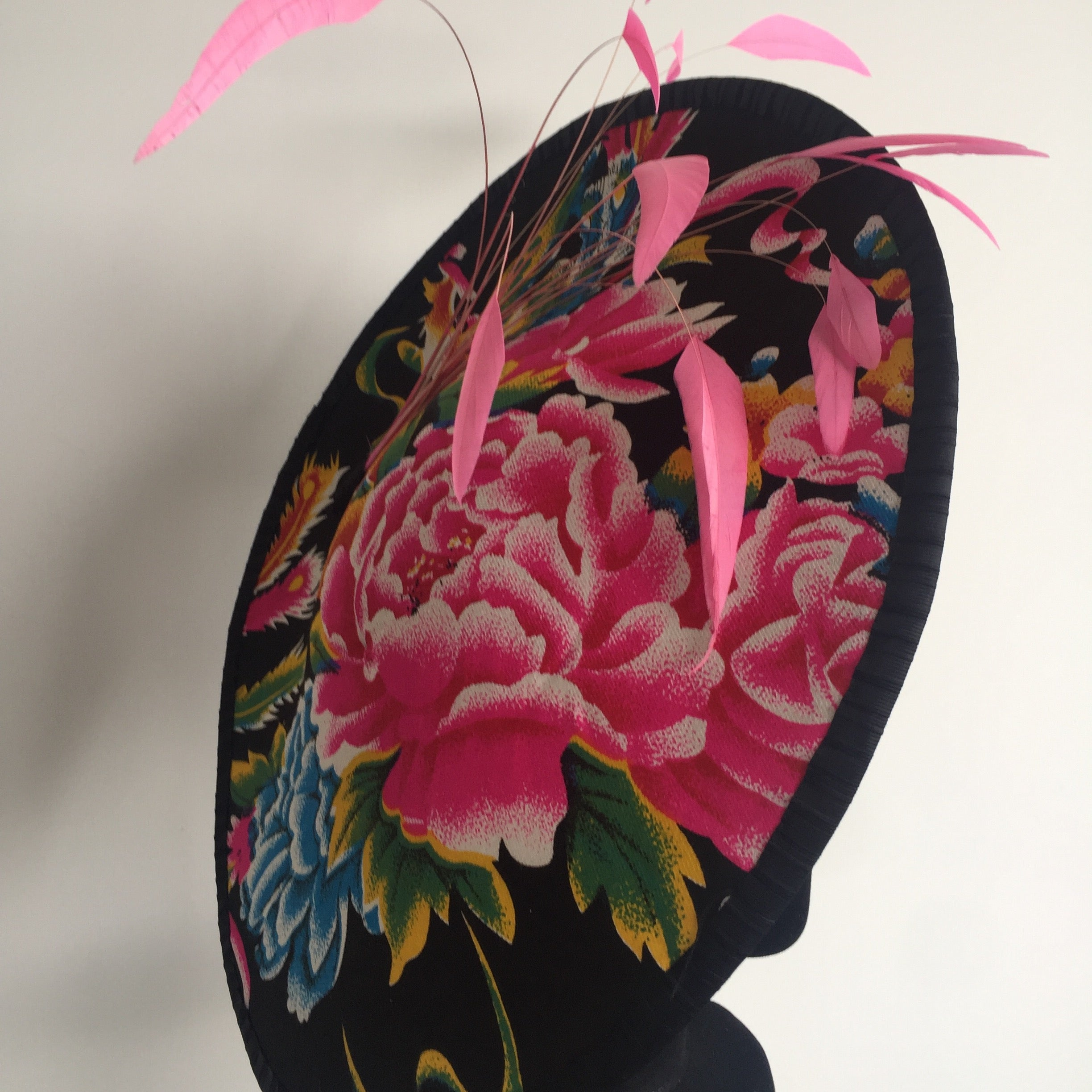 Flower Burst - Colourful disk style hat for Racing or special occasion - NOELEEN MILLINERY HONG KONG