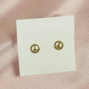 Chilling stud earrings - Tartiz Inc