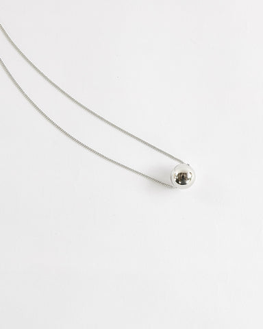 NELLE BALL NECKLACE - SILVER