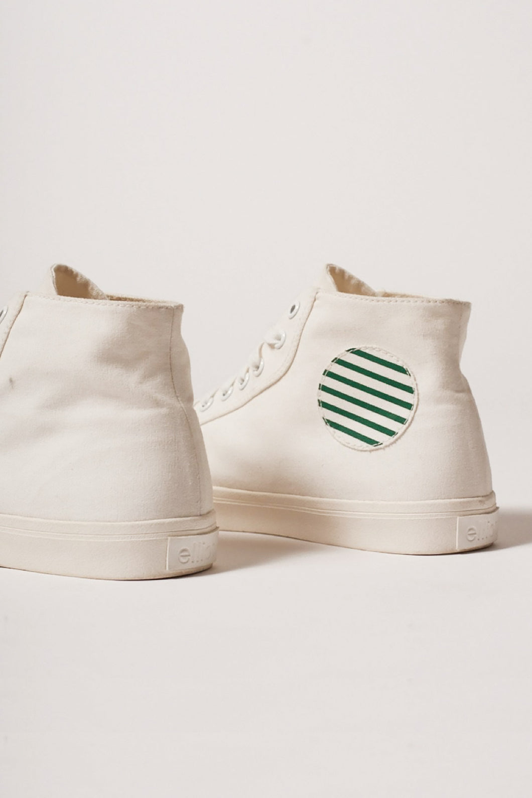 High-Top R-Canvas White/Stripes
