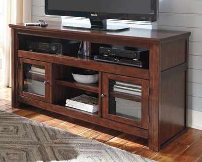 Harpan Signature Design by Ashley TV Stand