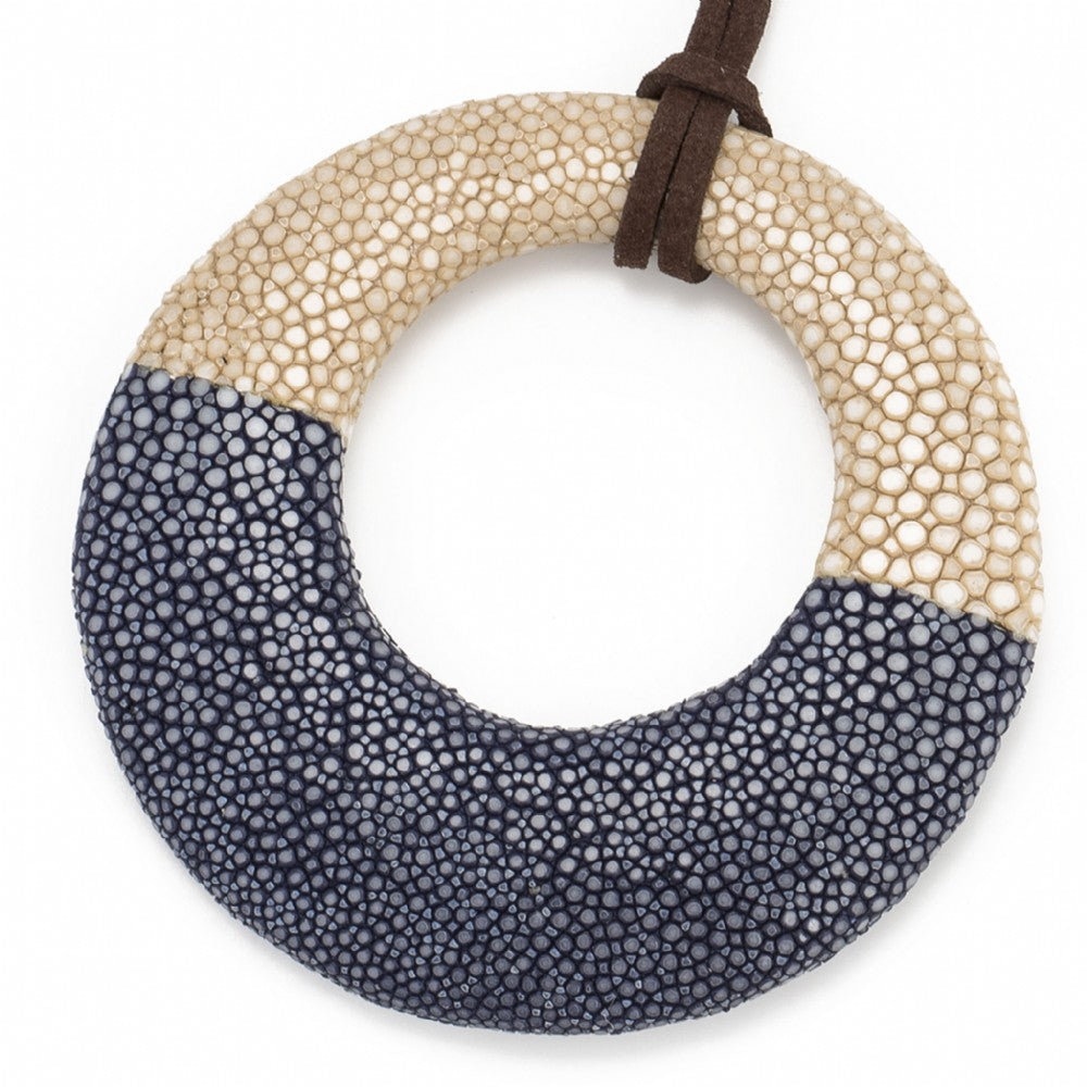 Shagreen Circle Pedant - Latte/Ink