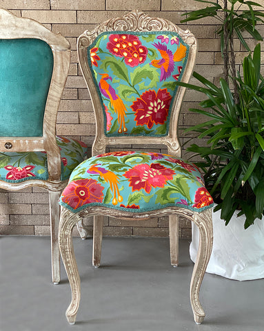 UPHOLSTRY CHAIR