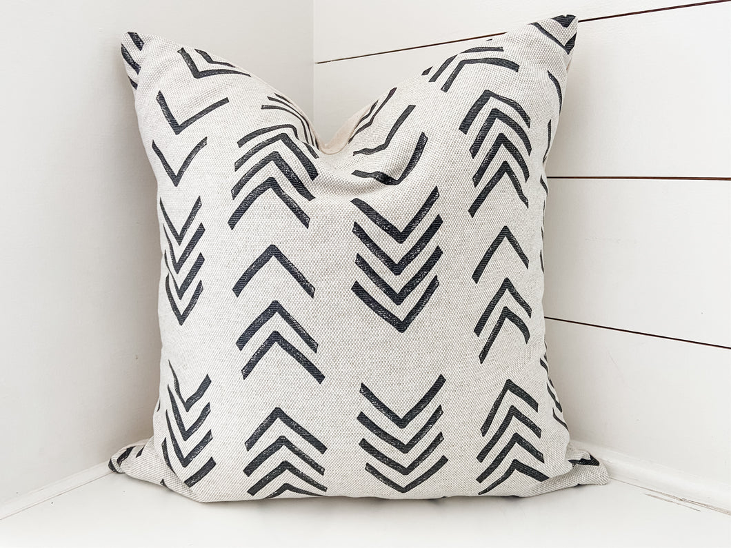 Oatmeal Arrows Mud Cloth Pillow Cover