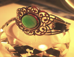 Green agate cuff bracelet in sterling silver