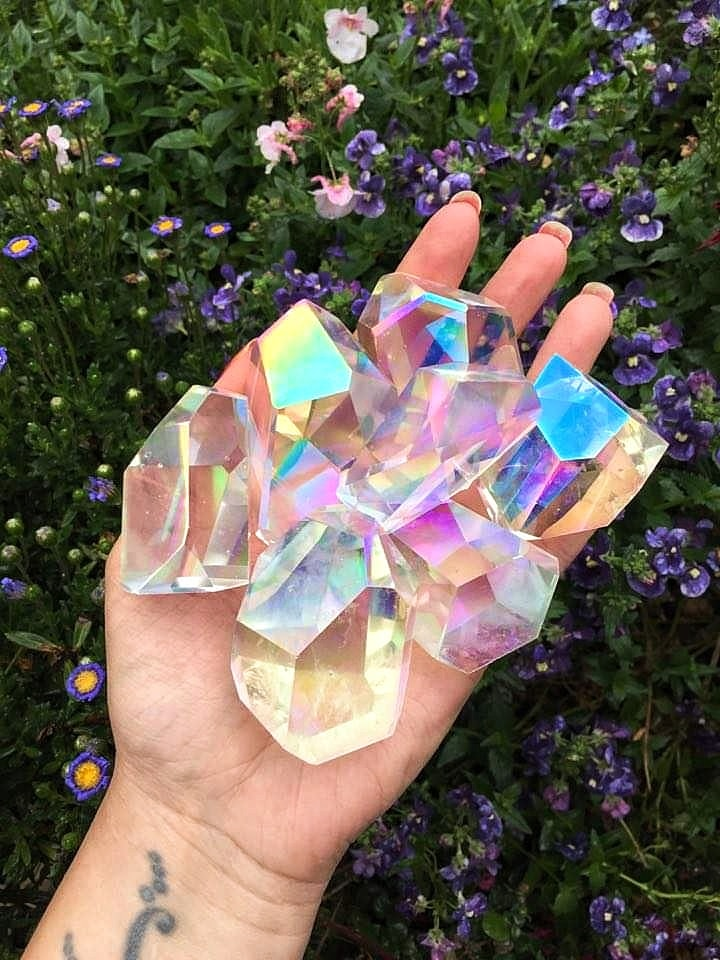 What are aura crystals?