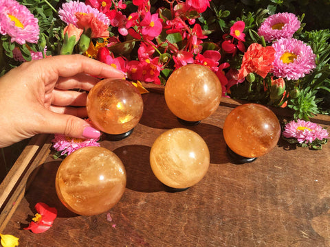 Honey calcite spheres