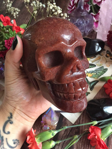 Strawberry quartz skull 1.1kg