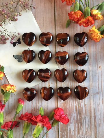 Red Tigers eye hearts