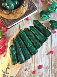 Large Malachite points