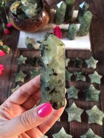 Prehnite and epidote points