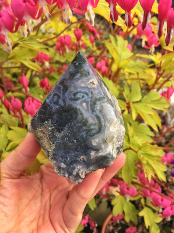 Raw Moss agate point