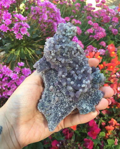 Huge grape agate piece 414g