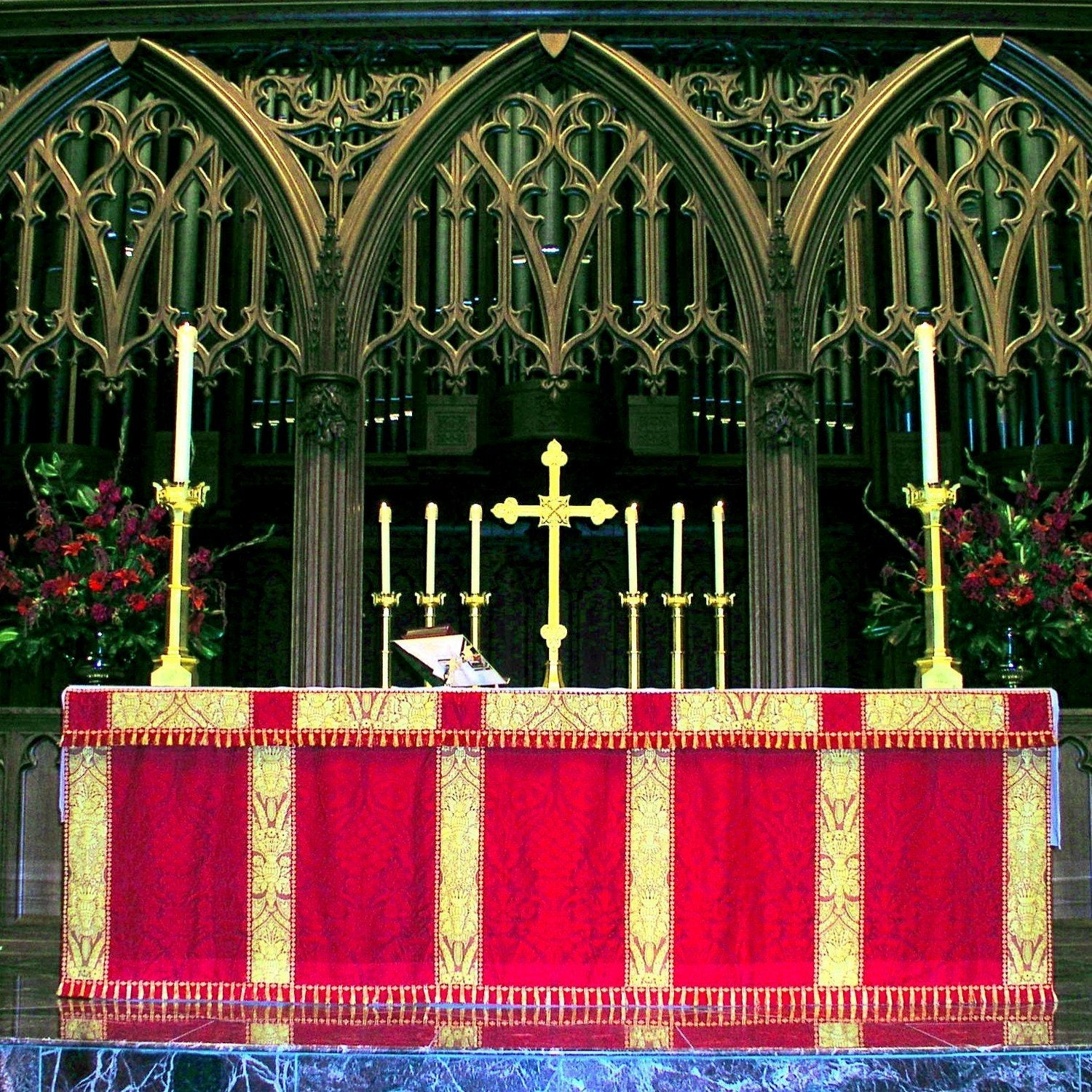 Altar Frontal in Red St Nicolas with Garnet Crevelli Superfrontal - Watts & Co. (international)
