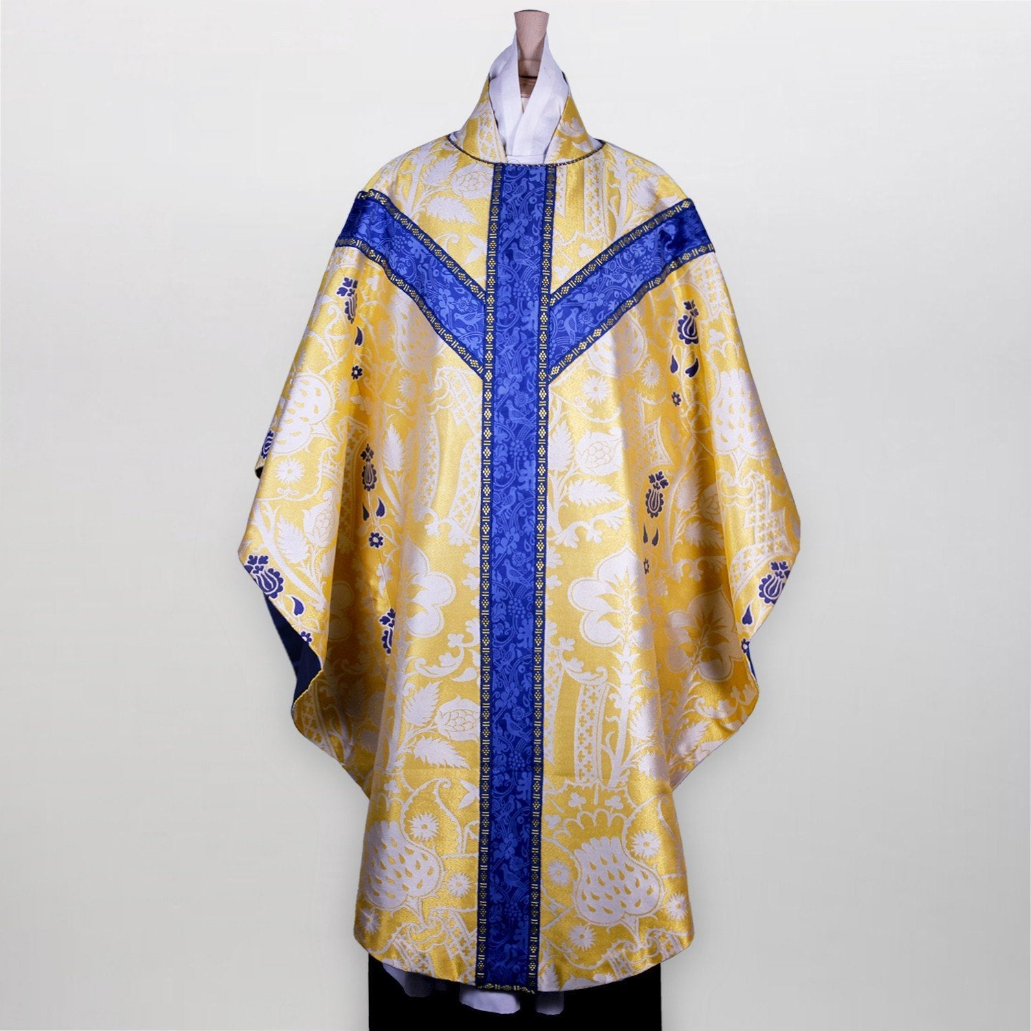 Embroidered Full Gothic Chasuble in Comper Strawberry - Watts & Co. (international)