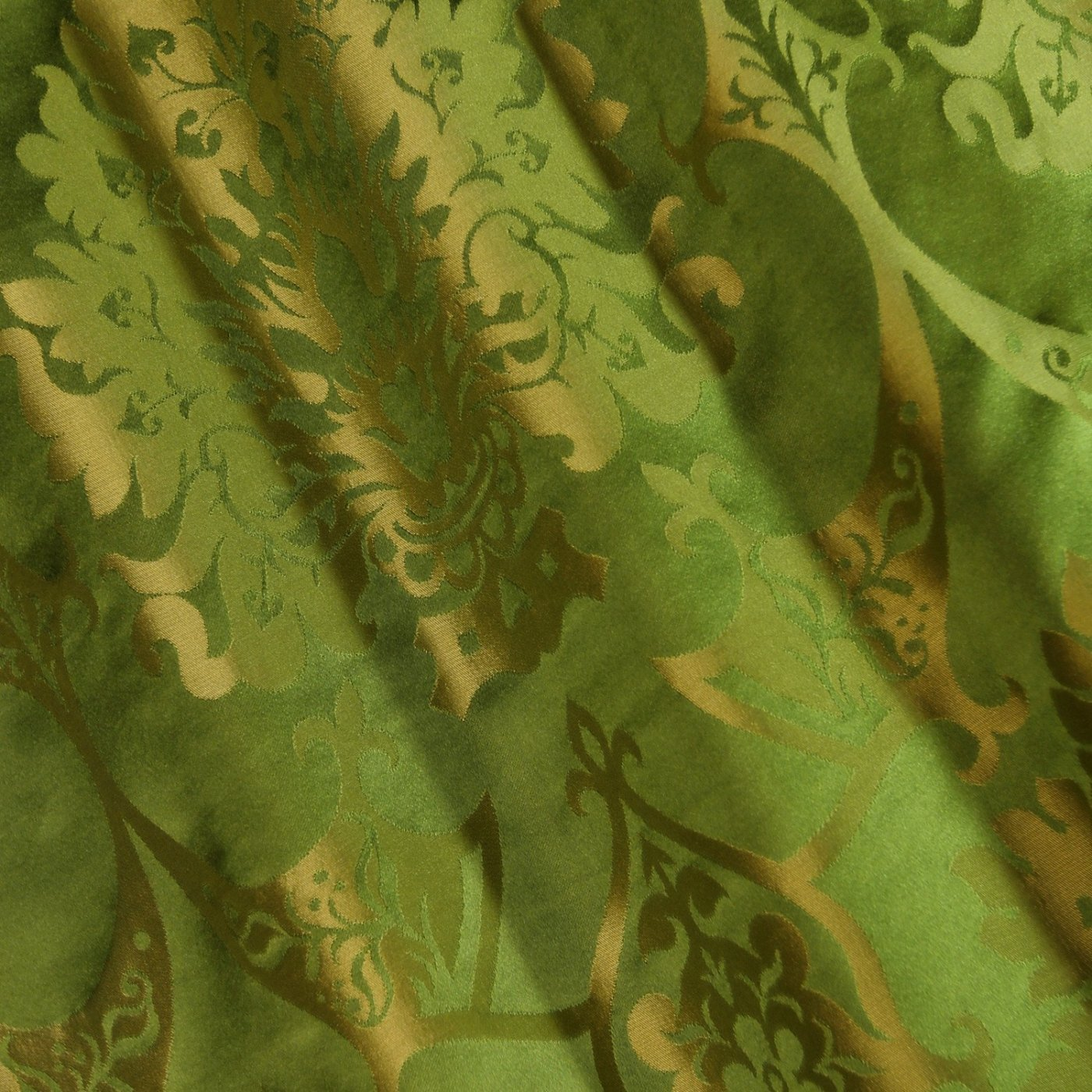 Full Gothic Chasuble in Green/Gold Gothic silk - Watts & Co. (international)