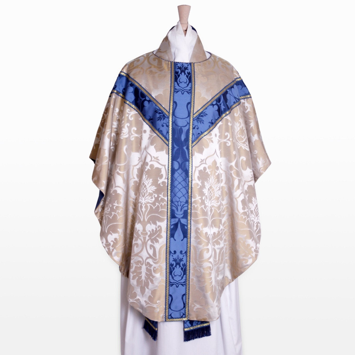 Semi-Gothic Chasuble in Oyster Bellini - Watts & Co. (international)