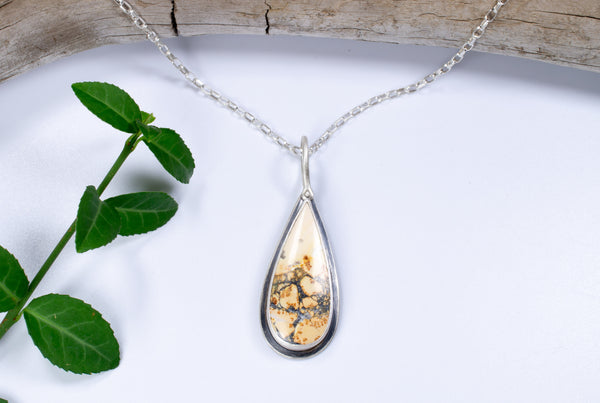 Maligano Jasper Pendant Necklace