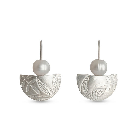 Leaf Imprint Pearl Earrings